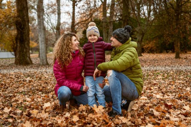rodinna fotografia v parku bratislava sad janka krala v jesennom obdoby